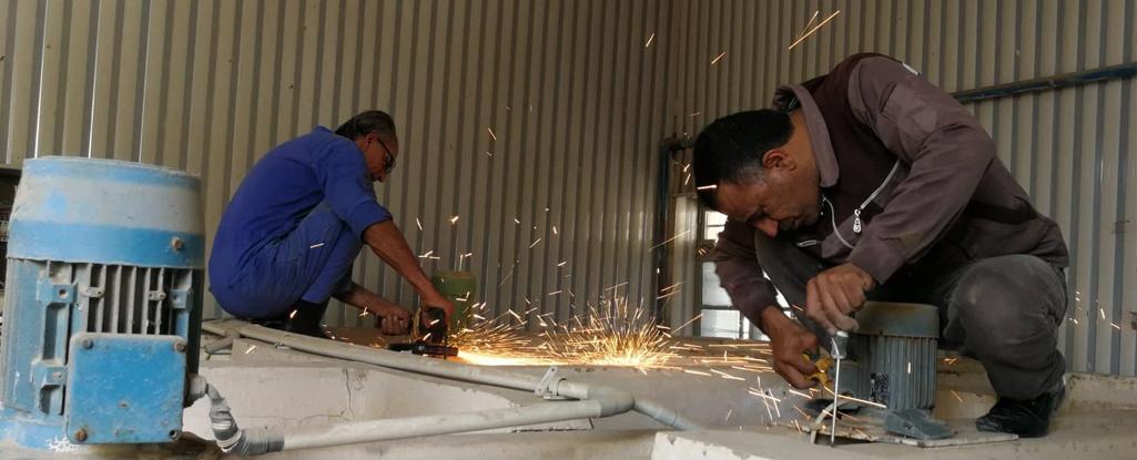 فريق العمل التطوعي في جامعة البصرة للنفط والغاز يباشر اعماله لصيانة وتأهيل محطة تصفية ماء البراضعية
