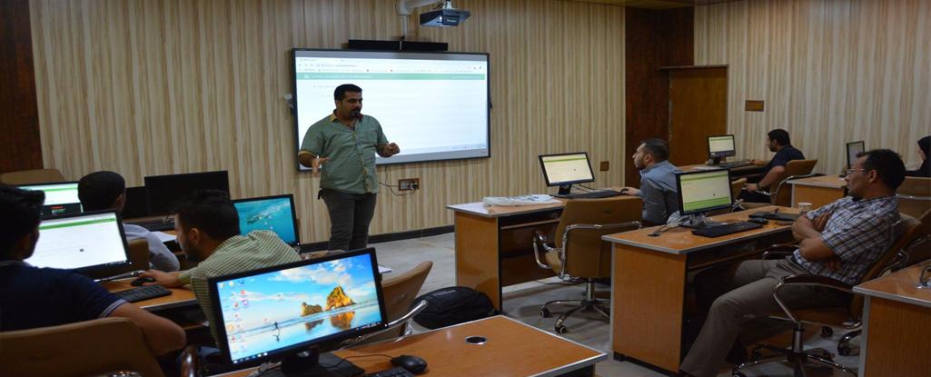 مركز الحاسبة الالكترونية ينظم دورة تدريبية في إدارة النظام التعليمي الالكتروني