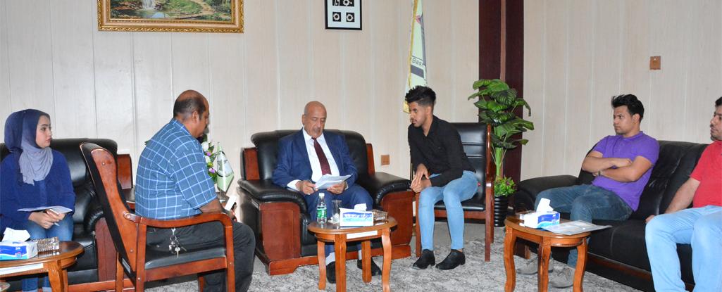 رئيس جامعة البصرة للنفط والغاز يلتقي بعدد من المواطنين ويعمل لحل مشاكلهم وتلبية طلباتهم